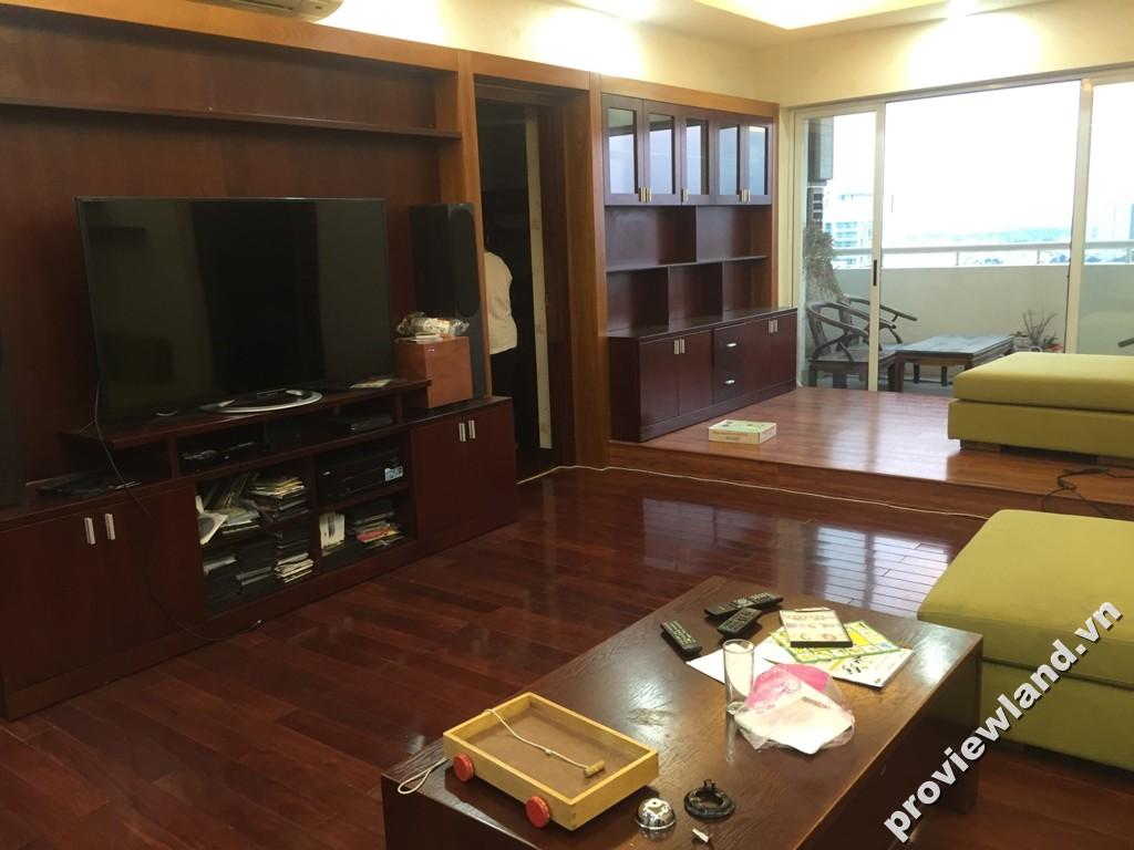 Cho thuê căn hộ Hùng Vương Plaza tầng cao 2 phòng ngủ đầy đủ nội thất
