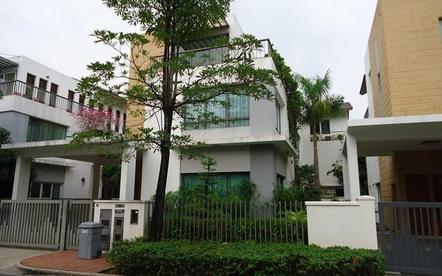 Bán biệt thự Villa Riviera 350m2 diện tích đất 4 phòng ngủ 1 trệt 2 lầu