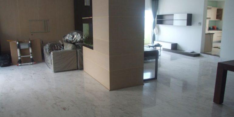 ban-can-penthouse-hung-vuong-plaza