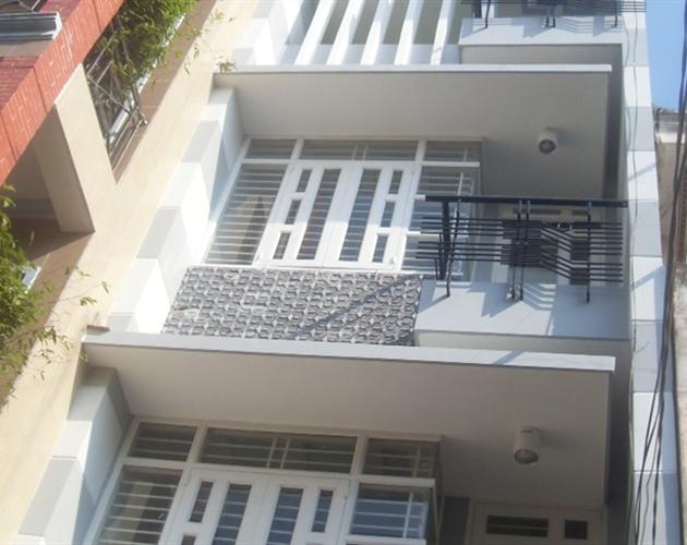 Cho thuê nhà mặt tiền đường Trần Khánh Dư 225m2 3 lầu 5PN vị trí trung tâm quận 1
