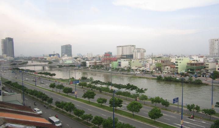 Nhà mặt tiền đại lộ Võ Văn Kiệt DT đất 860m2 khu trung tâm dễ kinh doanh