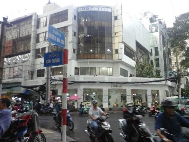 Nhà phố mặt tiền đường Cao Thắng 850m2 DT đất thích hợp kinh doanh đa ngành