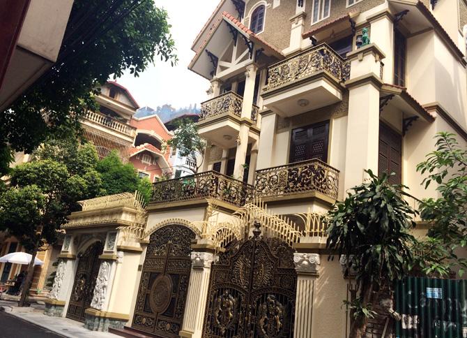 Bán Biệt thự Quận 1 Nguyễn Thanh Ý diện tích 244m2 nhà đẹp