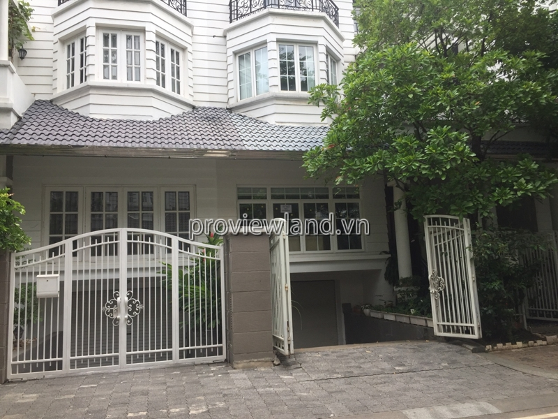 Villa Saigon Pearl for rent with 450m2 4 bedrooms with garden