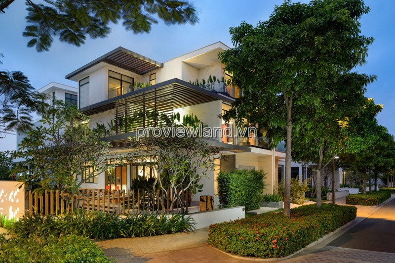 Biệt thự Lucasta bán xây dựng 1 trệt 3 lầu diện tích 250m2 hồ bơi sân vườn rộng