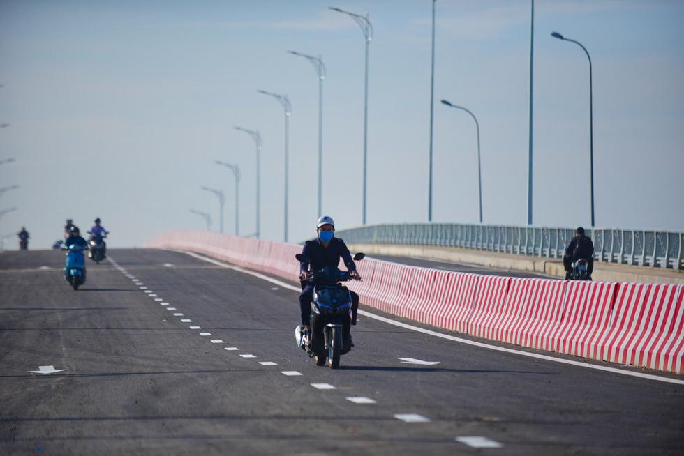 cầu bắc qua đảo kim cường 6