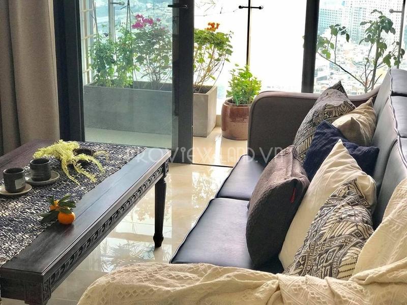 Cho thuê căn hộ Vinhomes Golden River 3 phòng ngủ view đẹp đầy đủ nội thất