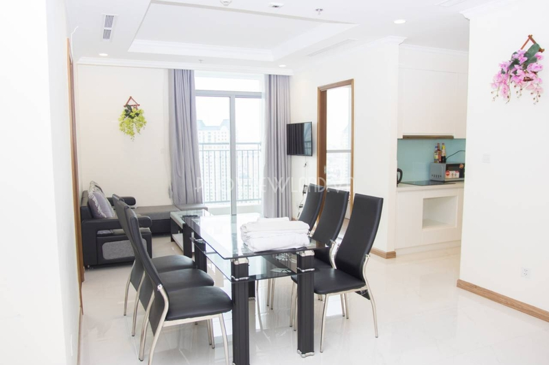vinhomes-central-park-service-apartment-for-rent-3beds-landmark2-21-01