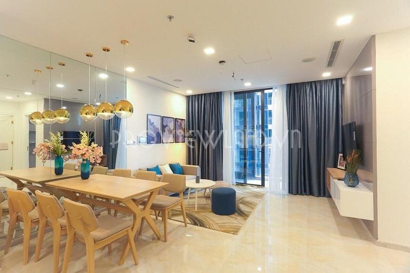 Căn hộ cho thuê tầng cao view đẹp với 2 phòng ngủ tại Vinhomes Golden River