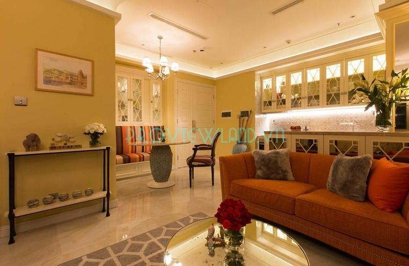 Cho thuê căn hộ thiết kế đẹp tại Vinhomes Golden River Ba Son với 2 phòng ngủ rộng