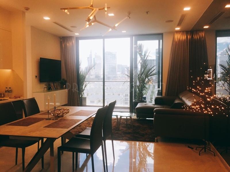 Căn hộ tuyệt đẹp tại Vinhomes Golden River cần cho thuê đầy đủ nội thất với 2 phòng ngủ