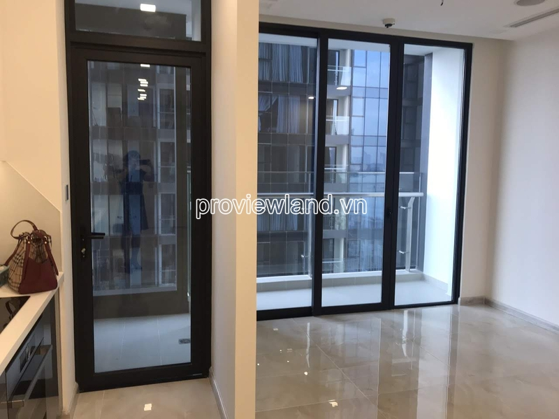 Bán căn hộ tại Vinhomes Golden River Block Aqua1 với 2 phòng ngủ
