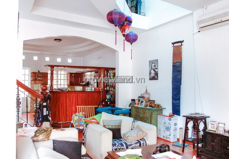 Selling Thao Dien villa on Nguyen U Di street 1 ground floor 1 floor attic with area of ​​300m2