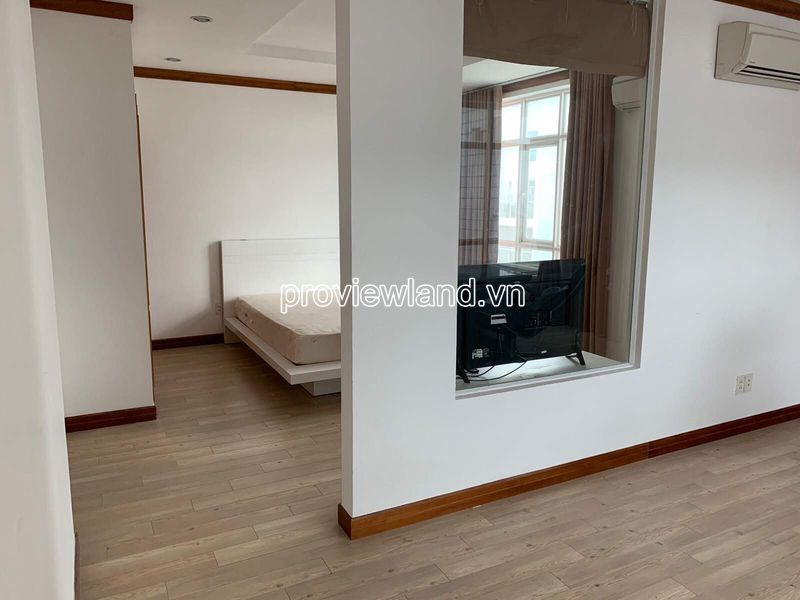 Hoang-Anh-Riverview-penthouse-apartment-for-rent-2floor-4brs-block-c-proview-191019-06