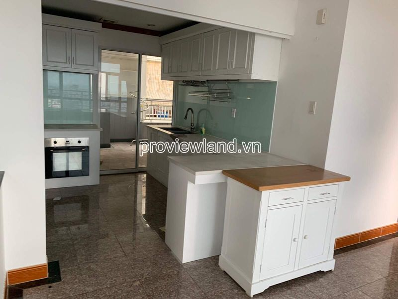 Hoang-Anh-Riverview-penthouse-apartment-for-rent-2floor-4brs-block-c-proview-191019-08