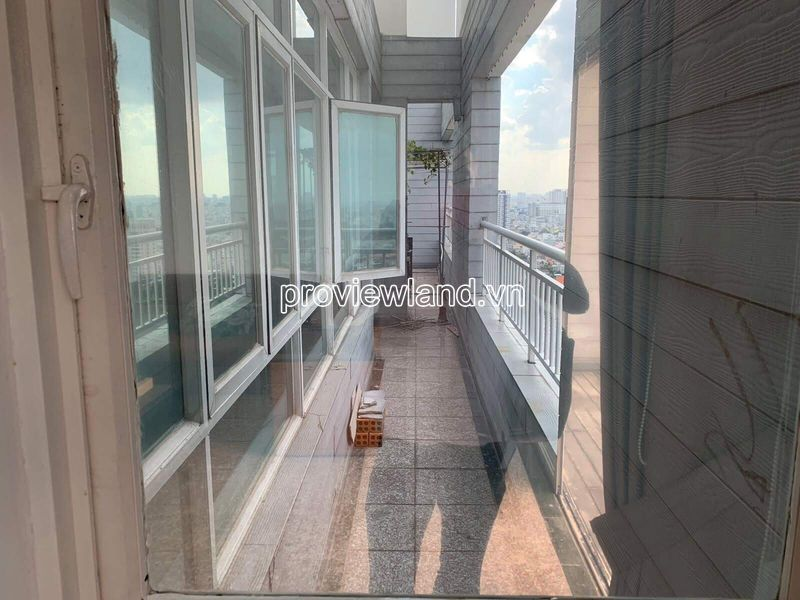 Hoang-Anh-Riverview-penthouse-apartment-for-rent-2floor-4brs-block-c-proview-191019-11