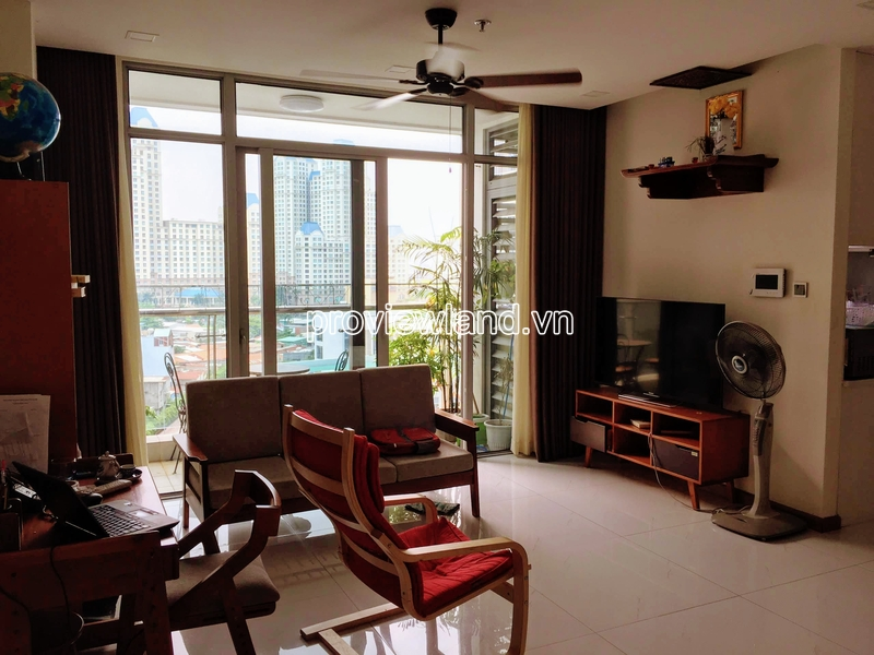 Apartment for sale in Vinhomes Central Park, 2 bedrooms, middle floor with nice view