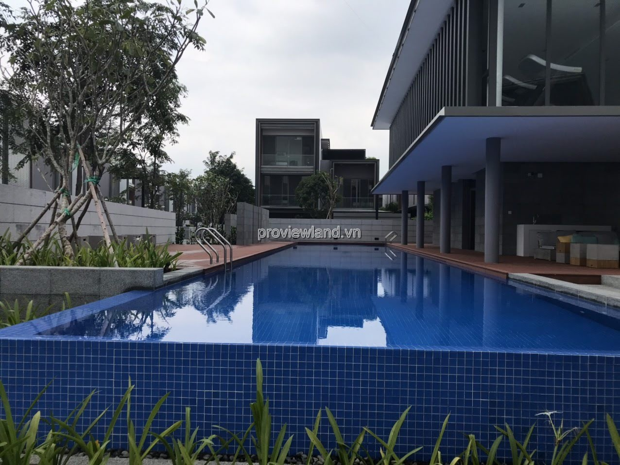 Holm Villas Nguyen Van Huong for sale has pool, 3 floors, 412sqm