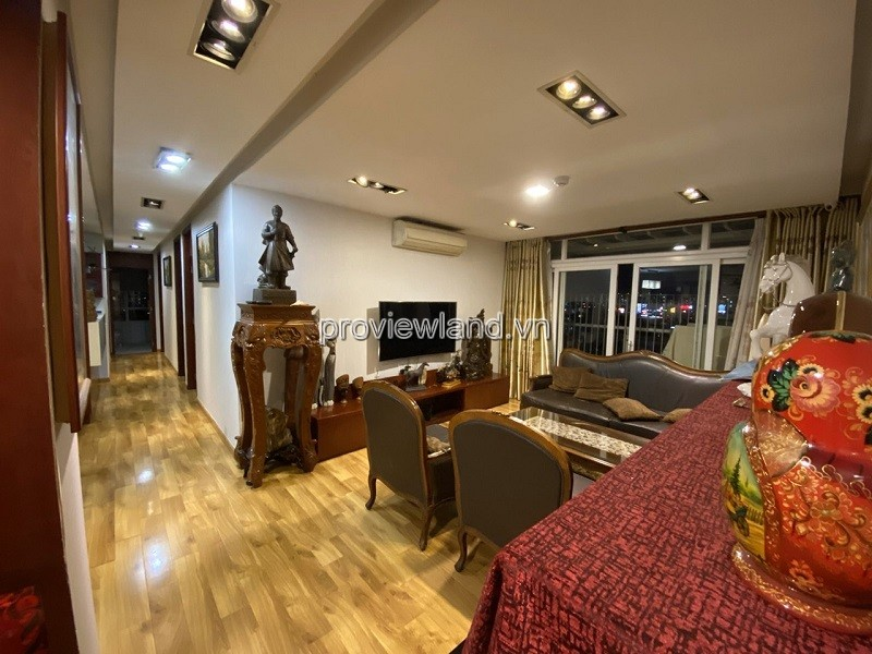 Buy an apartment in Hoang Anh river view 4 bedrooms with nice full furniture court C