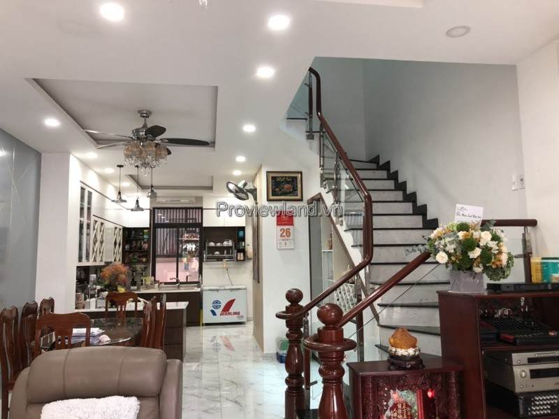 Selling villas in District 2 Lakeview City with balcony East – North direction