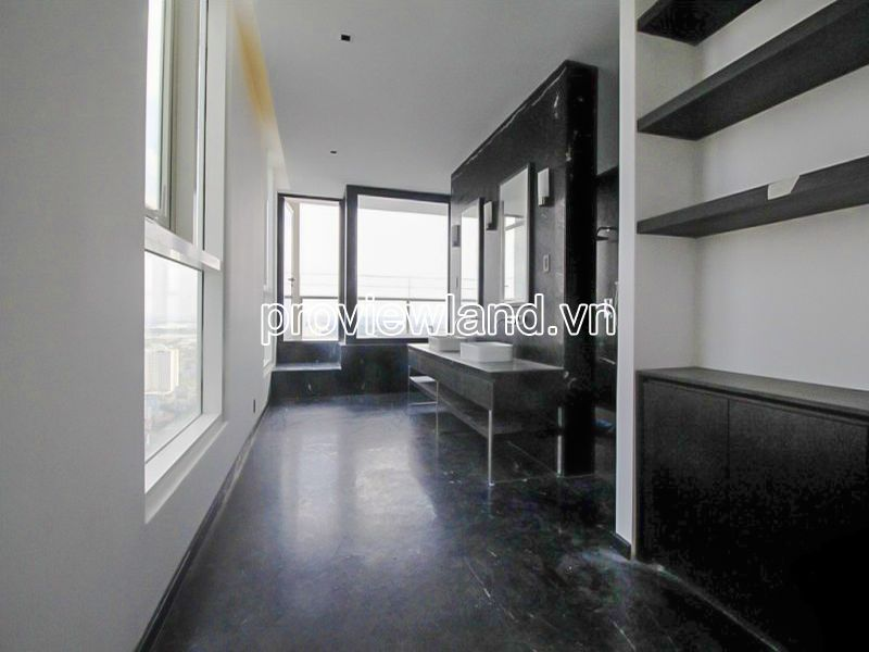 Thao-Dien-Pearl-Penthouse-can-ho-ban-2tang-san-vuon-rong-450m2-block-A-view-dep-061020-04