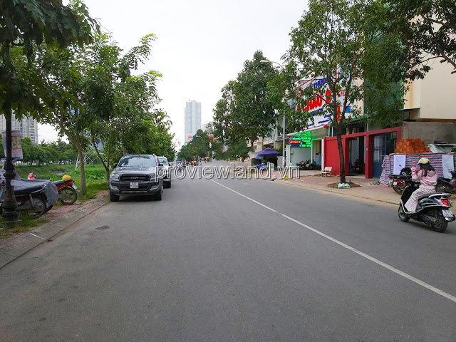 Selling 3 land lots in front of Song Hanh street, total area 450m2