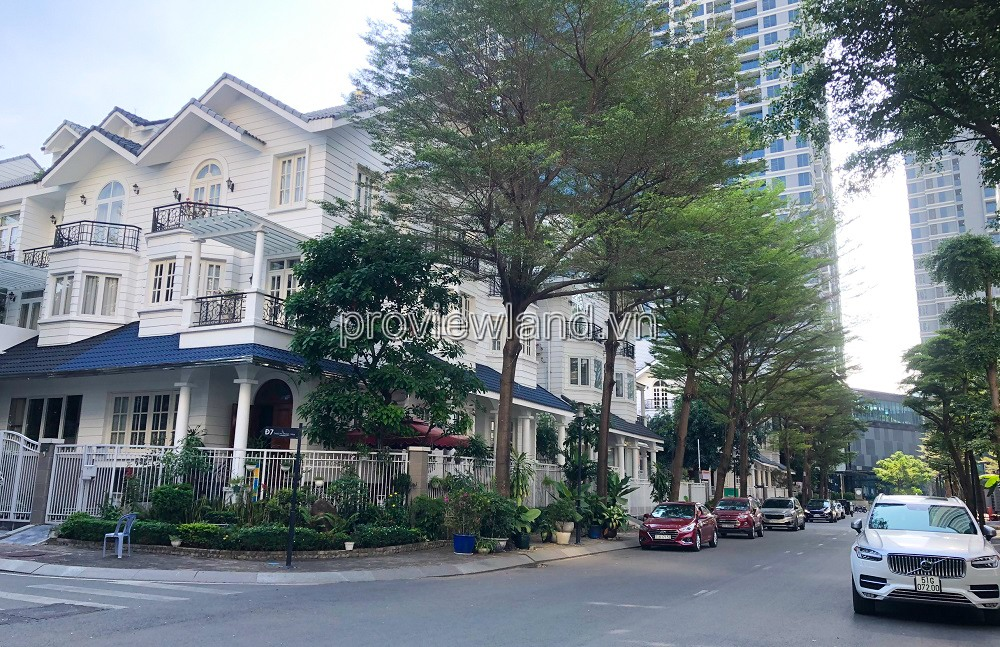 Villa for rent in Saigon Pearl project, 7x21m, 1 basement + 4 floors